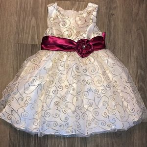 Nannette Girl Formal Dress 2T Ivory/Gold/Silver